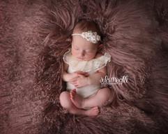 newborn flokati & wraps (53).JPG