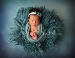 newborn flokati & wraps (33).JPG