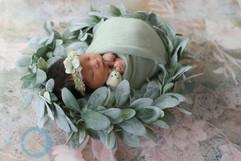 newborn wreath #4.jpg