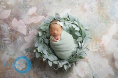 newborn wreath #1.jpg