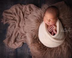 newborn flokati & wraps (32).JPG