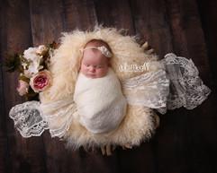 newborn flokati & wraps (39).JPG