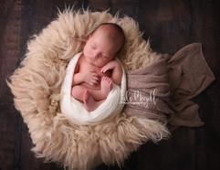 newborn flokati & wraps (29).JPG