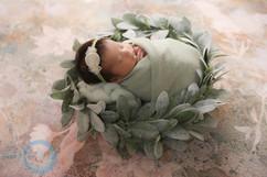 newborn wreath #9.jpg
