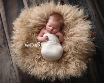 newborn flokati & wraps (68).JPG