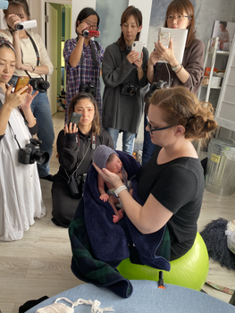 newborn workshop in Japan organized by Mimosa House (67).HEIC