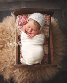 newborn flokati & wraps (77).JPG