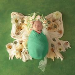 NEWBORN  floral bonnets #1 (41).jpg