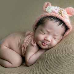 newborn bonnet bear #18.jpg