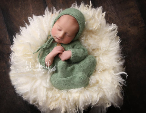 newborn flokati & wraps (7).JPG