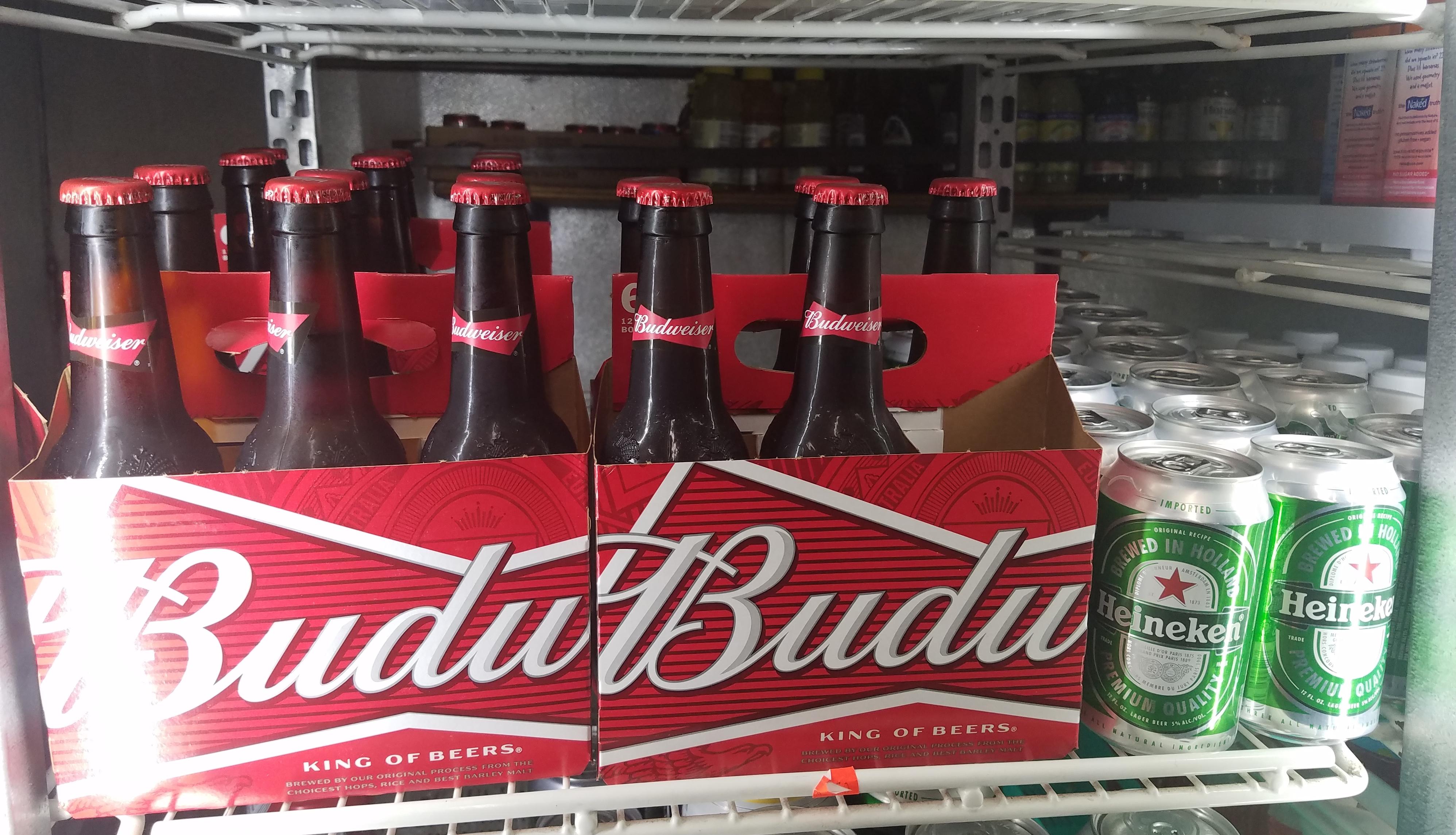 Budweiser, Alcohol