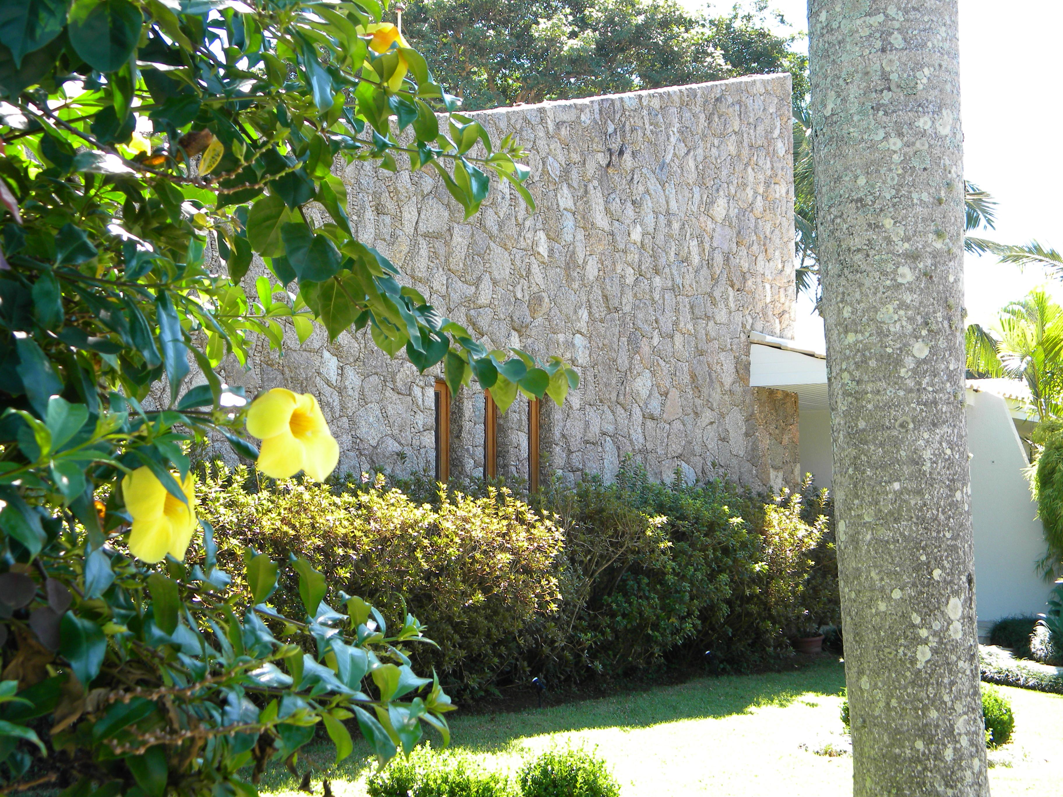 fachada pedra moledo