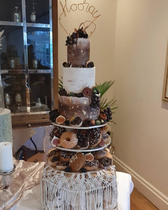 autumn wedding doughnut cake