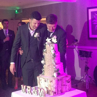 💗💗We love cake cutting pictures 💗💗#c