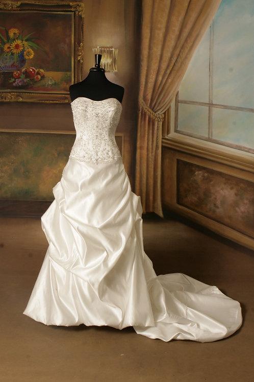 Allure Bridals 8619