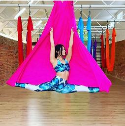 Camiyogair aerial yoga hammock silk oro joga camiyoga.jpg