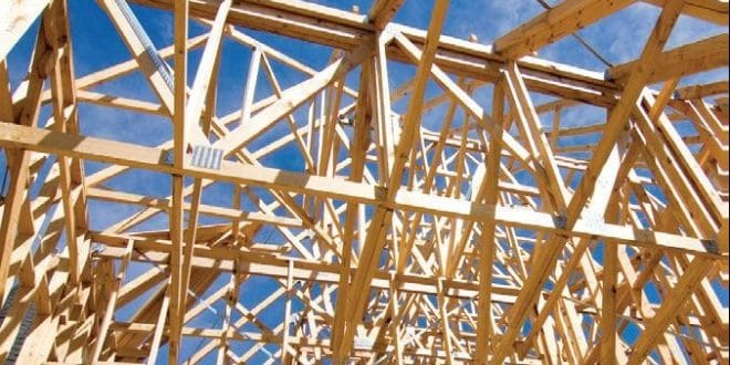 timber-roof-trusses-advantages-660x330