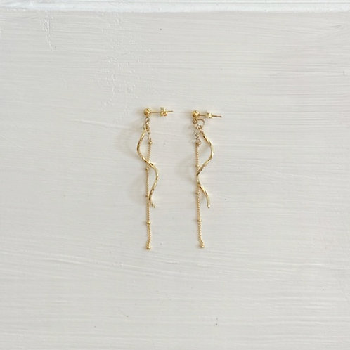 Kuru Kuru Dangle Earrings