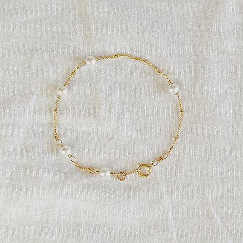 Yuki Akoya Pearl Asymmetric Bracelet