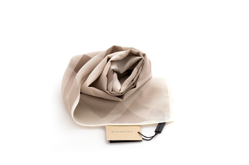 burberry silk scarf outlet k5pu  All our products are 100% authentic, we only buy from the official outlets