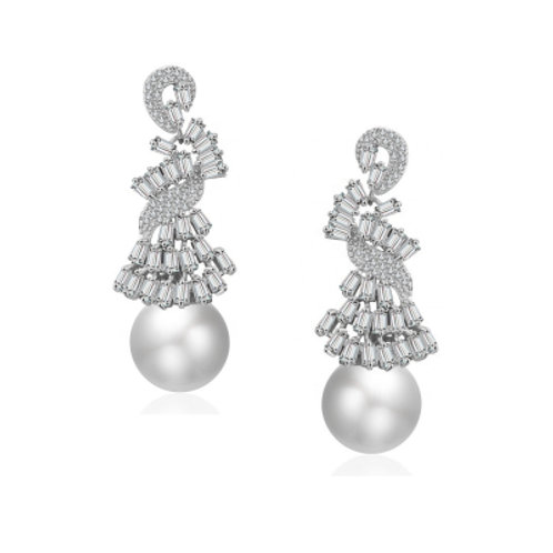Anna's pure pearl Earrings