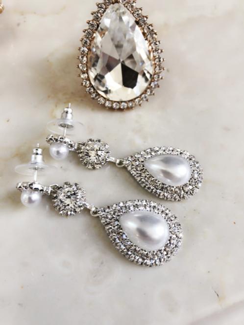 The Queen of Pearl Earrings
