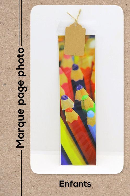Enfants modèle 46 Les crayons de couleurs
