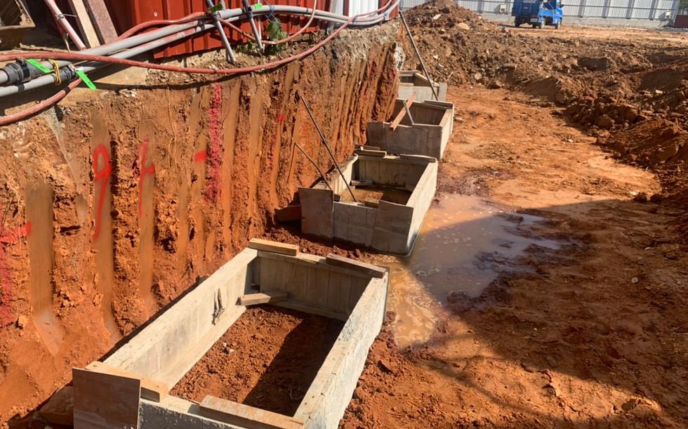 人工擋土柱施做
