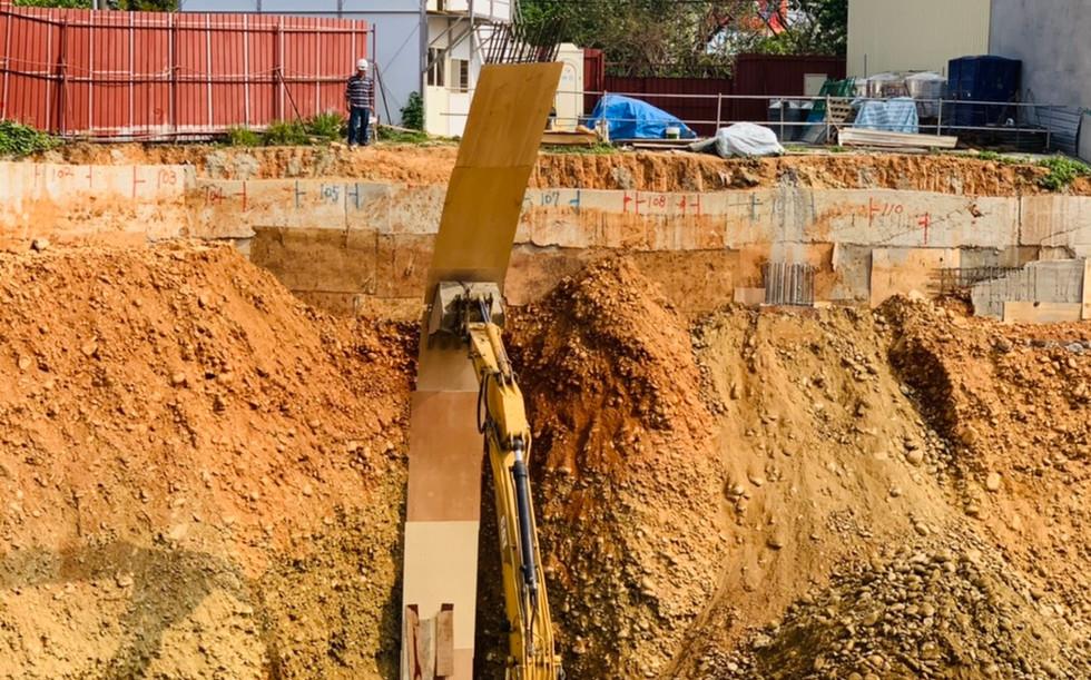 機械擋土柱施做
