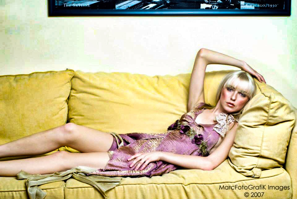 D I Pink Goddess Sofa