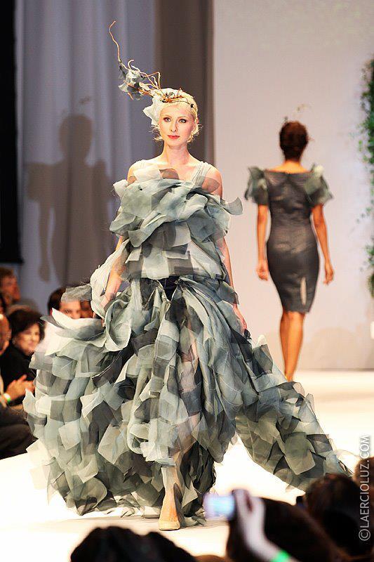 D I Vert Finale Wind Gown