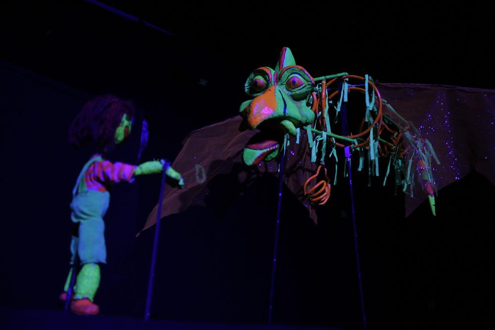Imagen de la obra Los espíritus lúdicos del grupo de títeres La libélula Dorada