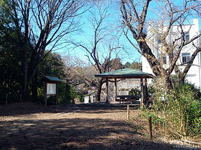 山寺晩鐘と東屋