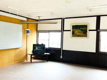 2021/3/28 本館「研修室2」補修工事が終了しました👷