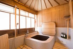 Goemon buro (Wood fired bath room)