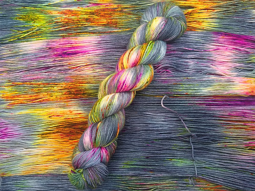 Witches' Prom, Standard 4ply