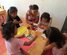 Students in art class in Proyecto Itzaes in Yucatan