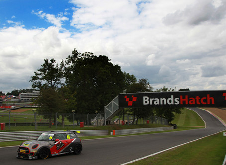 Barr returns to the podium at Brands Hatch