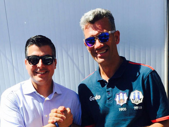 Once veces Andrés González. El Santfeliuenc anuncia la renovación de su entrenador más laureado