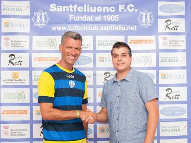 Andrés González complirà una dècada de blanc-i-blau