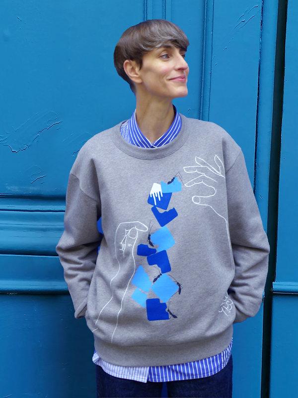 Sweater en coton bio sérigraphié et peint à la main