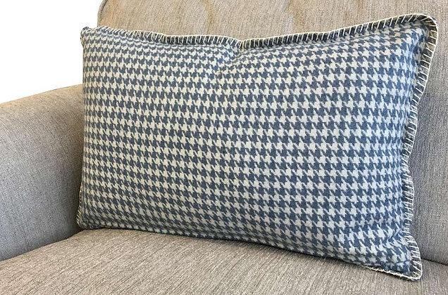 Large Lumber Cushion - HI1027