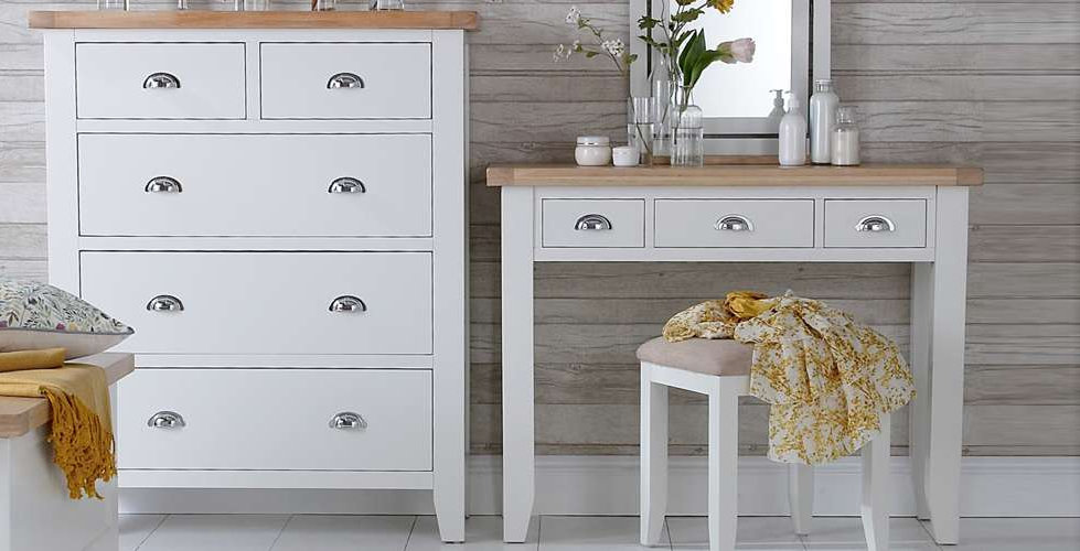 Country Bedroom Furniture shown in Wimborne White