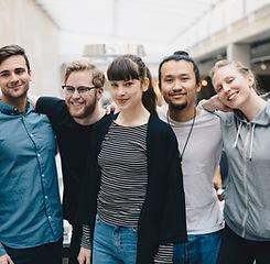 Portrait de groupe d'amis