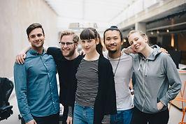 Gruppporträtt av vänner