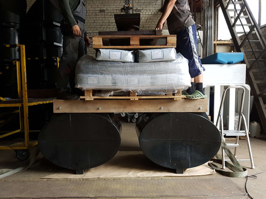 Loading B type pontoons with excessive weights