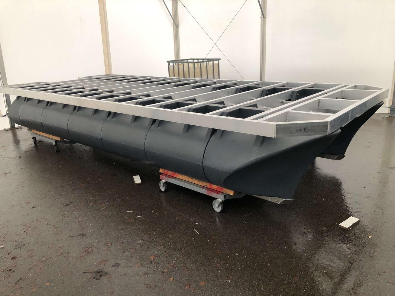 5,8m 2,4m catamaran chassis
