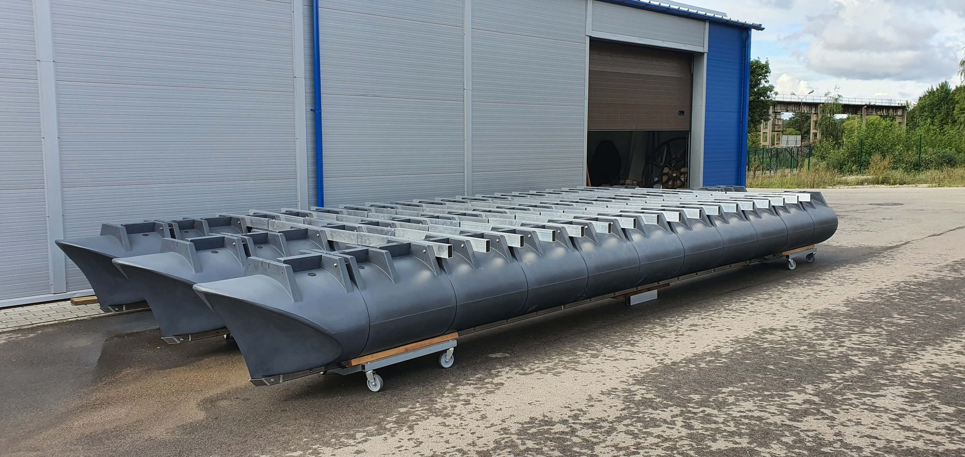 10m x 4m splitable trimaran