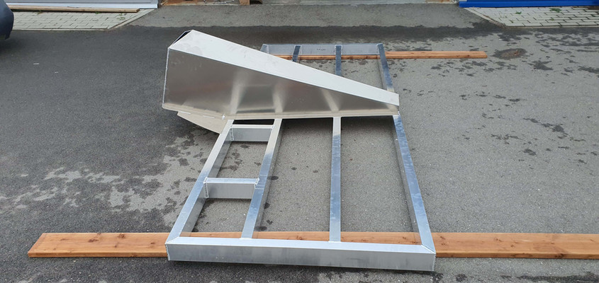Section with transom of a splitable vessel