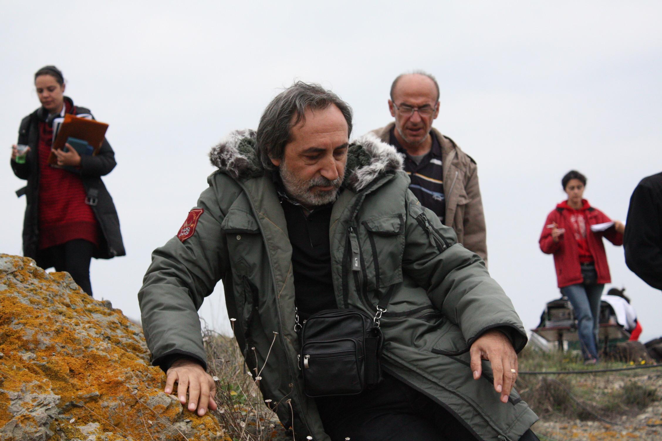 Yönetmen